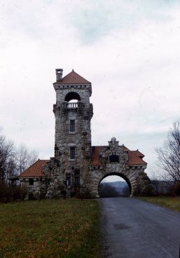 56111701_Gunks_Gatehouse